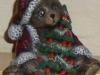 Weihnachtsteddy mit Baum